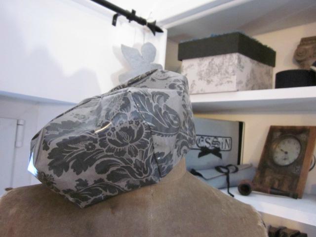 Chapeau de pluie AGATHE en coton enduit baroque gris (4)