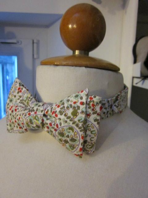 Véritable NOEUD PAPillon en coton fleur imprimé rouge et vert (4)