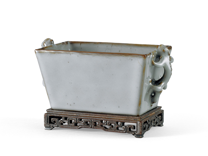A Ru-type 'chilong' rectangular cup, Ming Dynasty (1368-1644)