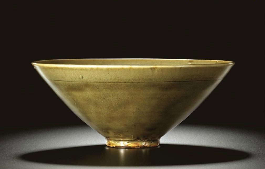 A large and fine 'Yaozhou' carved conical 'Peony' bowl, Northern Song-Jin dynasty