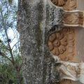 Un motif floral, près du forum.
