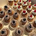 Mini cupcakes salés (saumon fumé / poires-noix- roquefort / confit d'oignons - tapenade)