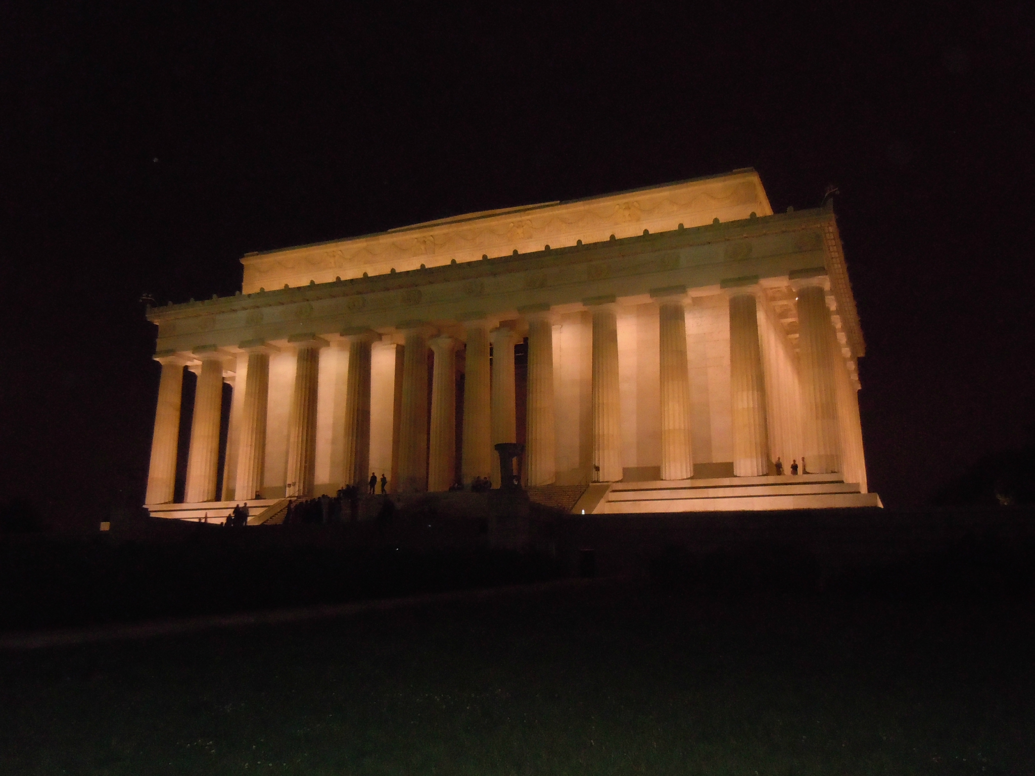 MONUMENTS BY MOONLIGHT (43)
