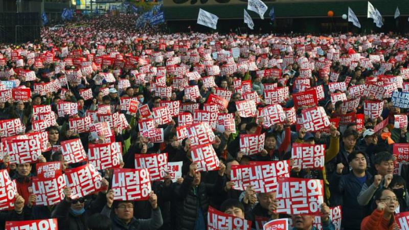 Corée du Sud _ des milliers de manifestants réclament la démission de la présidente