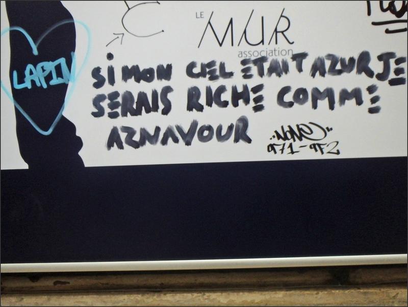 Paris avril 2015 90 graff lapin aznavour