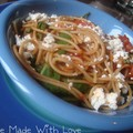 Spaghetti aux poivrons, tomates et feta - 3,5pts/pers