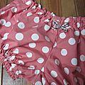 Culotte en coton rose thé à gros pois blancs et noeud assorti (1)