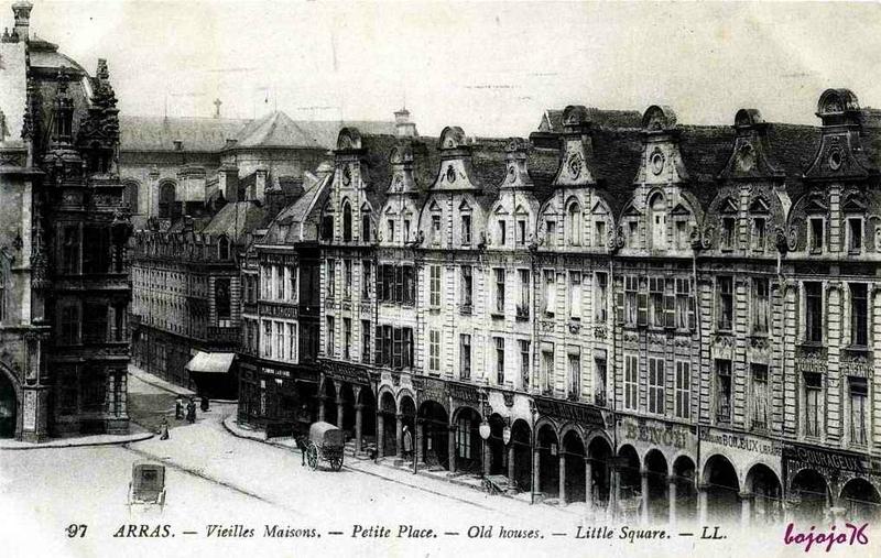 1469728633-62-Arras-Petite-Place