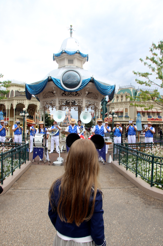 disneyland_paris_fanfare
