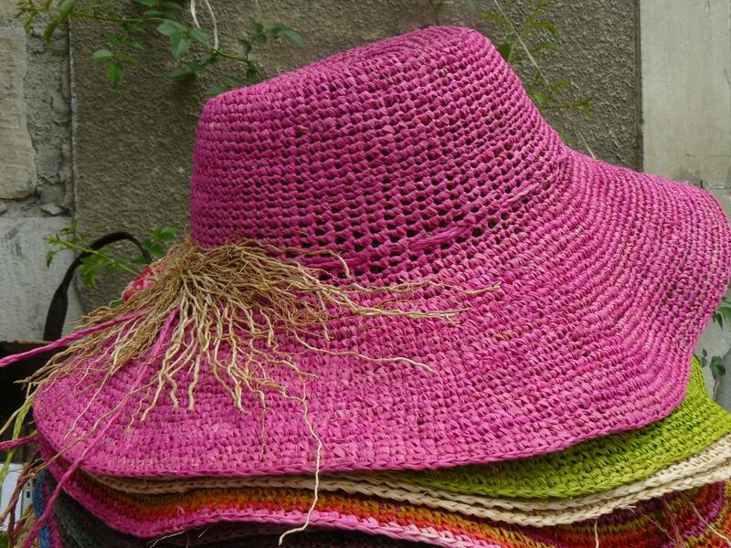 chapeau crochet touffe vetiver raphia