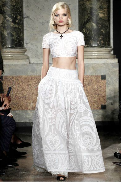 emilio-pucci-spring-2012-rtw-embroidered-cropped-top-gallery