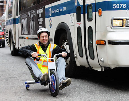 Tricycle_vs_bus