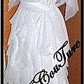 Robe blanche , costume de danse de marie c.