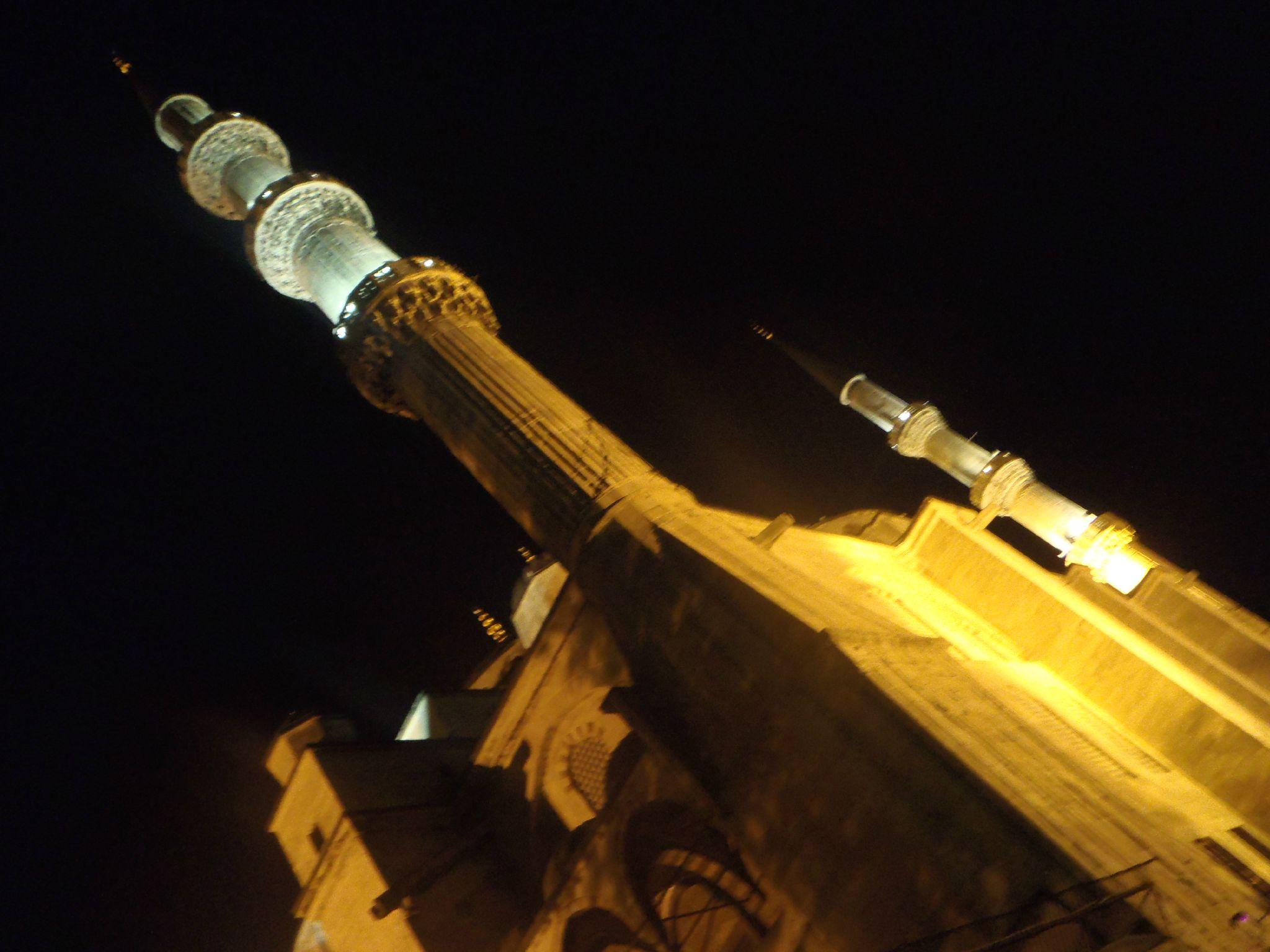 turquie istanbul minaret de la mosquée bleue montrant le ciel