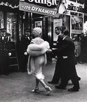 1955_06_01_ny_syi_premiere_by_weegee_1a