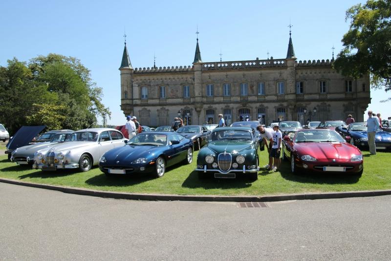Château de Launaguet et quelques-unes des voitures présentées