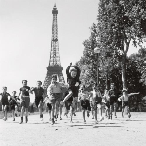 robert doisneau, paris, 1944