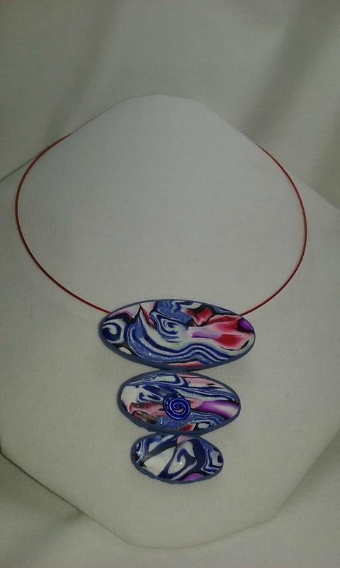 Pendentif bleu blanc rouge 3 perles