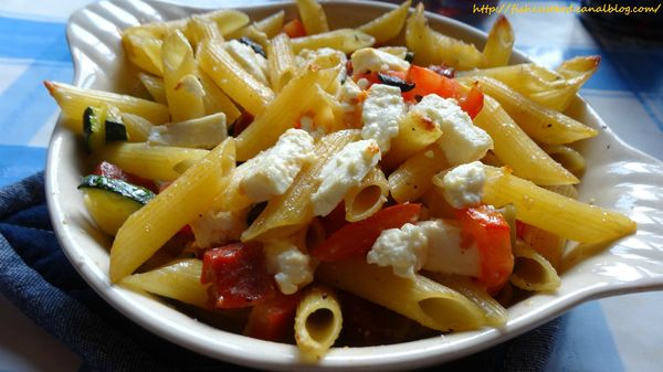 Penne courgettes-tomates-olives-feta (2)