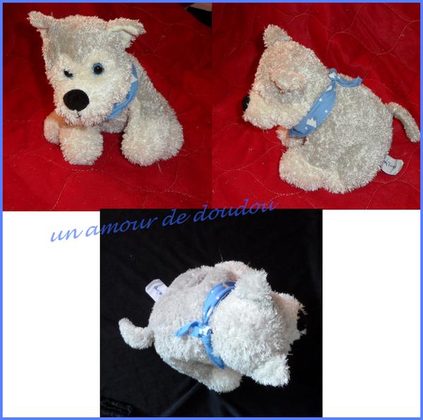 Peluche Doudou Chien Assis Gris Et Blanc Yeux Bleus Foulard Bleu Imprimé Blanc Etoile et Montagne Fantasy Toys