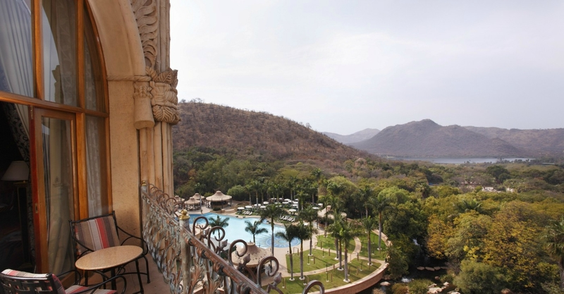 palace-king-suite-balcony-5060