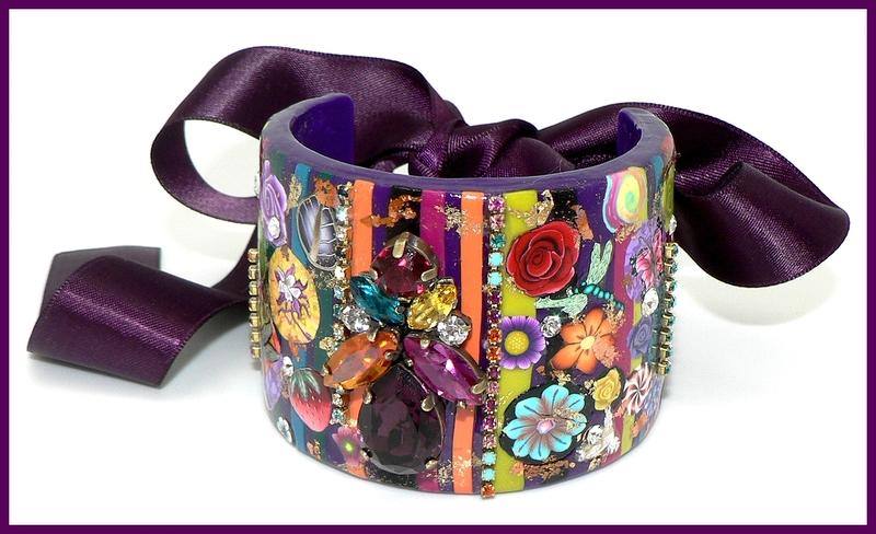 Manchette multicolore fond violet cristel