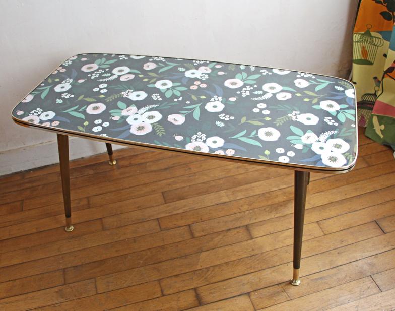 table-basse-vintage-fleurs-nue