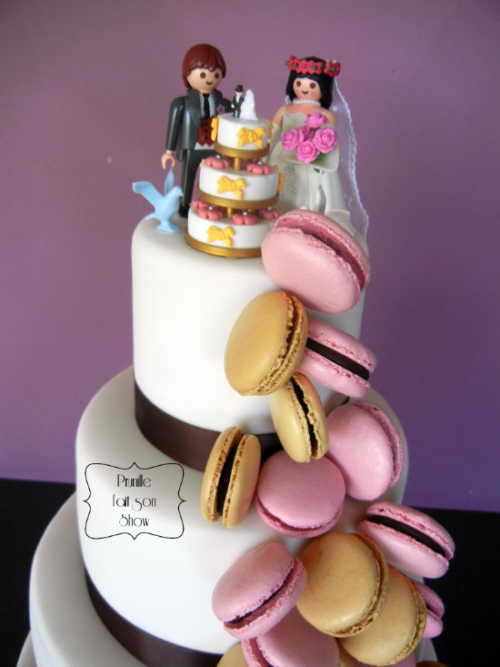 Wedding cake - Gateau de mariage cascade de macarons .