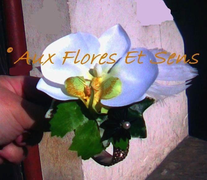 Bracelet de mariée artificiel Phalaënopsis blanc et Badiane noire