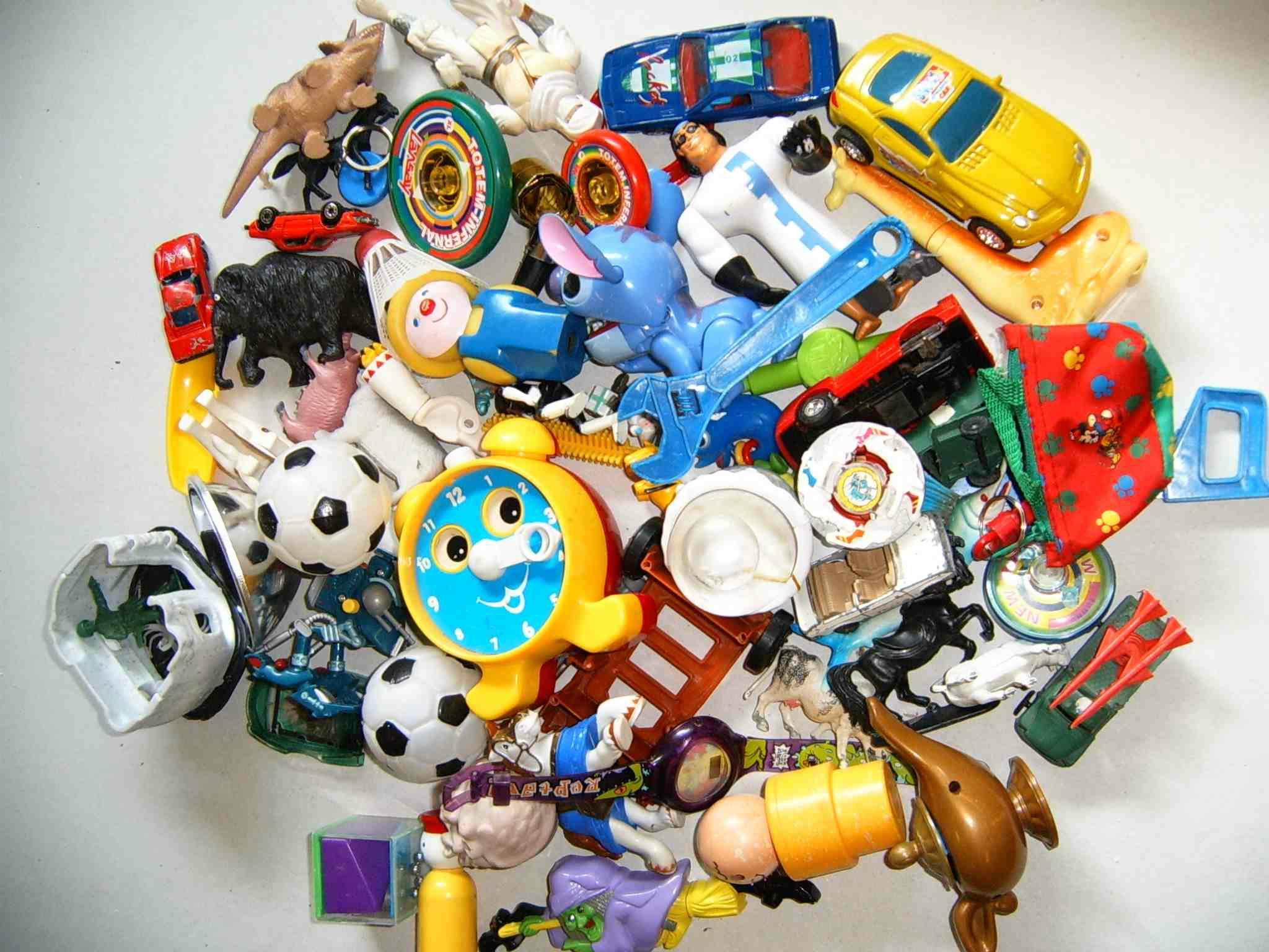Plastic Planet Invasion jouets objets divers en plastique - Déchets de jouets