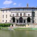 La GALERIE des OFFICES vers l'Arno