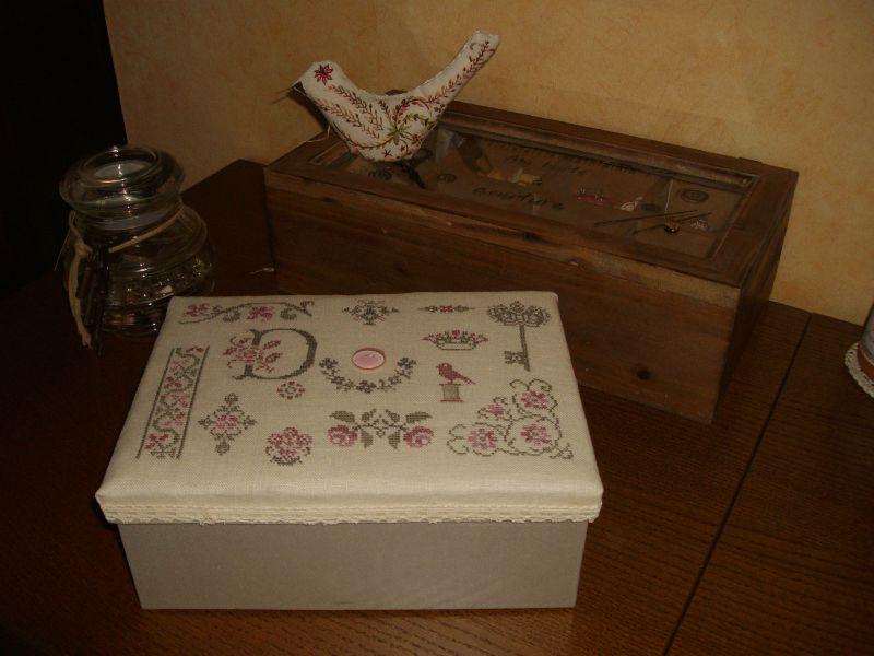 boîte gris-rose