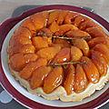 Tarte tatin à l'abricot et au romarin
