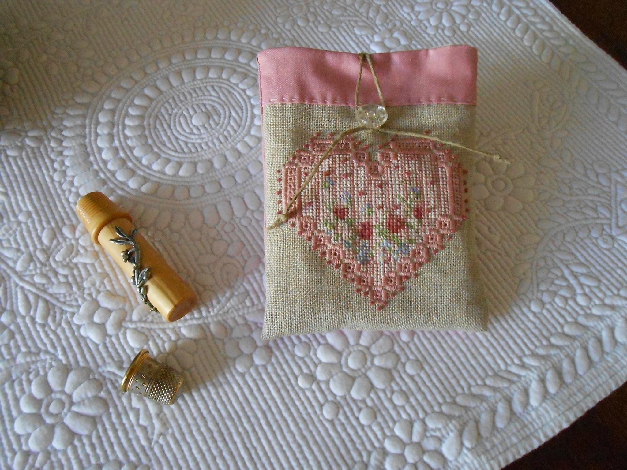 pochette coeur rose