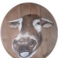 Une drôle de vache Peinture à l'huile sur fond de tonneau (diam 0.45 cm) 35.00 €