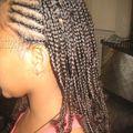 tresses africaines nattes collées simples demie tête enfant métisse cheveux crépus