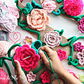 ♥ { yarn bombing flowers } ♥