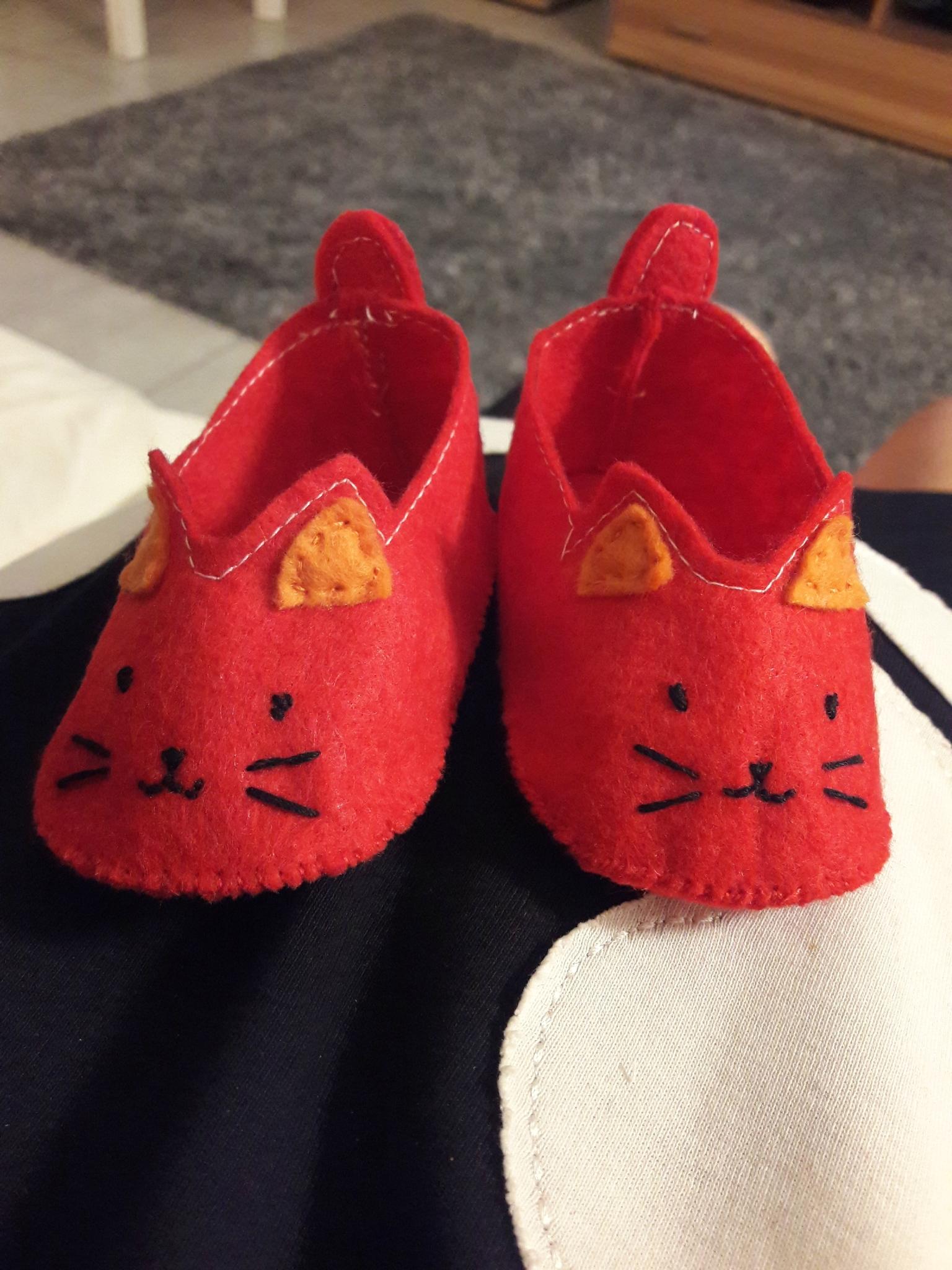 TUTO couture Les chaussons bébé petits chats + GRANDE NOUVELLE !!!