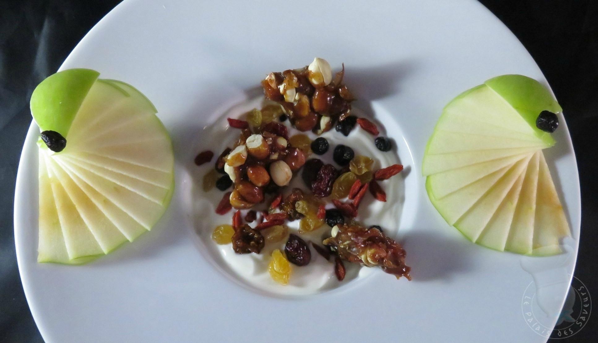 Pomme, mélange vitalité, cacahuètes à l'antillaise