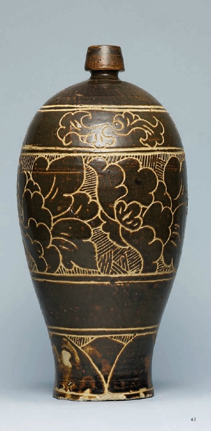 A carved Cizhou 'Peony' vase, meiping, Jin-Yuan Dynasty (1115-1368)