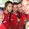 nous six avec les fameux t-shirt rouge
