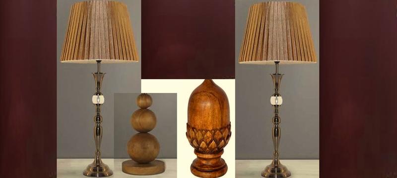 Salon 31 - paire de lampe et objets en bois