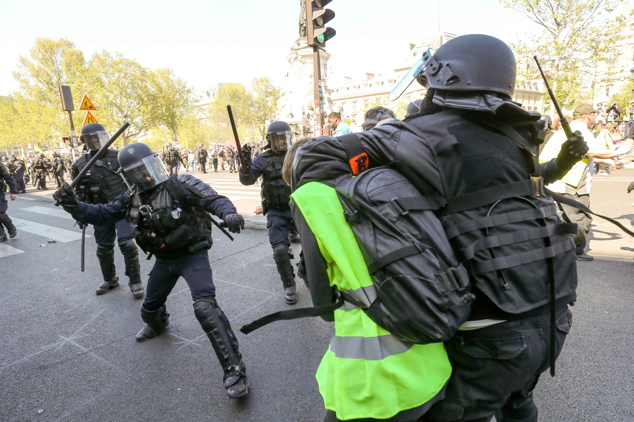 Gilets jaunes : 27.900 manifestants en France, incidents à Paris. © Michel Stoupak. Sam 20.04.2019, 14h57m10.