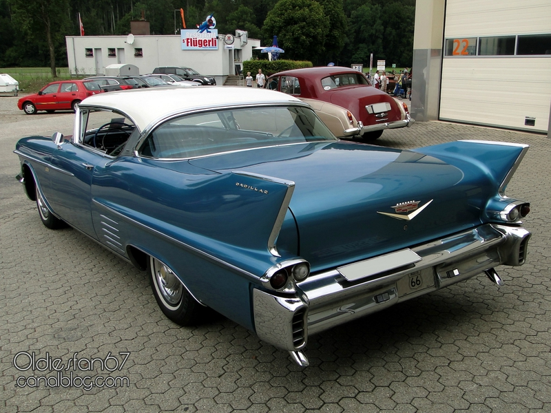 cadillac-62-coupe-1958-02