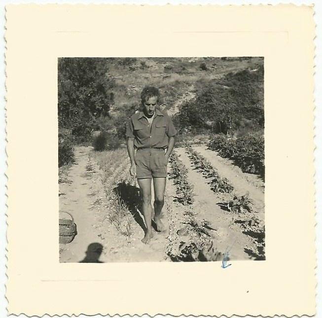 Serge au jardin. 1954.