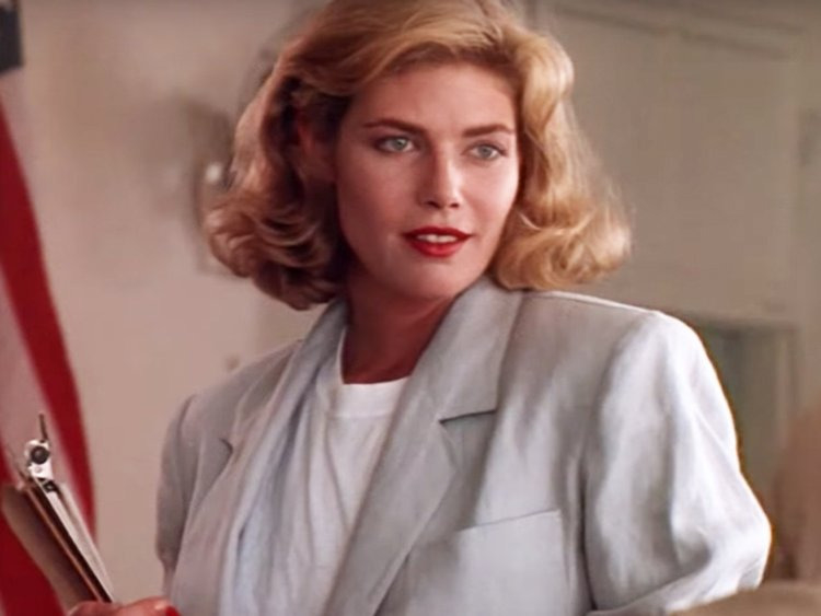 KELLY MCGILLIS DANS TOP gun 3