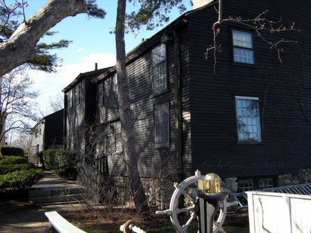 Salem_The_House_of_the_seven_Gables_2
