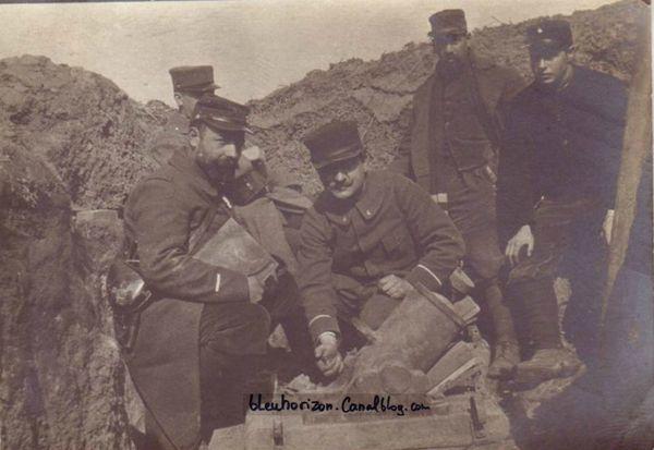 Crapouillot en batterie Parallèle Courteille 44ème Chasseur avril 1915