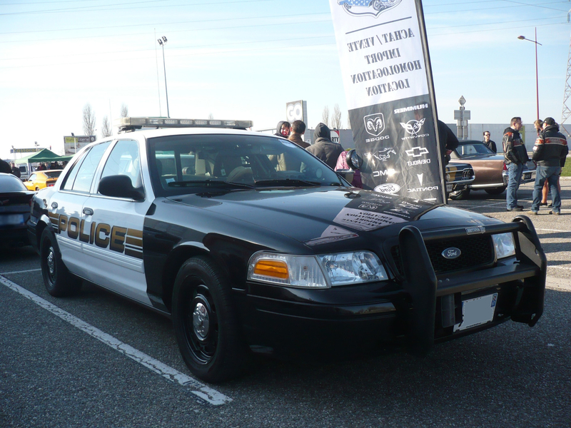 FORD Crown Victoria Police Interceptor Vendenheim (1)