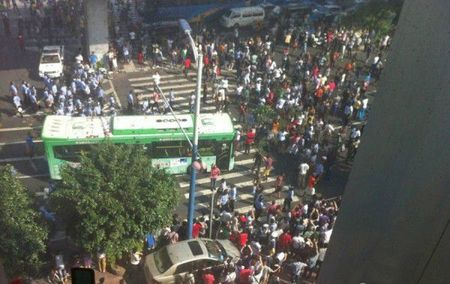 guangzhou-china-africans-protest-police-custody-death-04-600x378